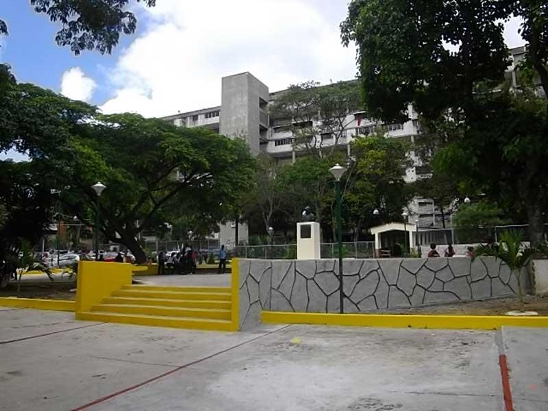 g-plan-caracas-bella-29-plaza-diegodelozada-(1)