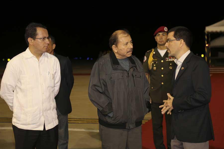Ministro Arreaza recibe al presidente de Nicaragua Daniel Ortega G 20170305-16