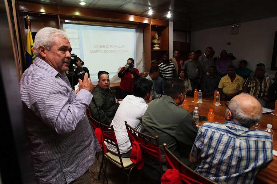 Reunion del Consejo Popular de la Mineria para acelerar Plan de Organizacion y Regularizacion G 20170317-01