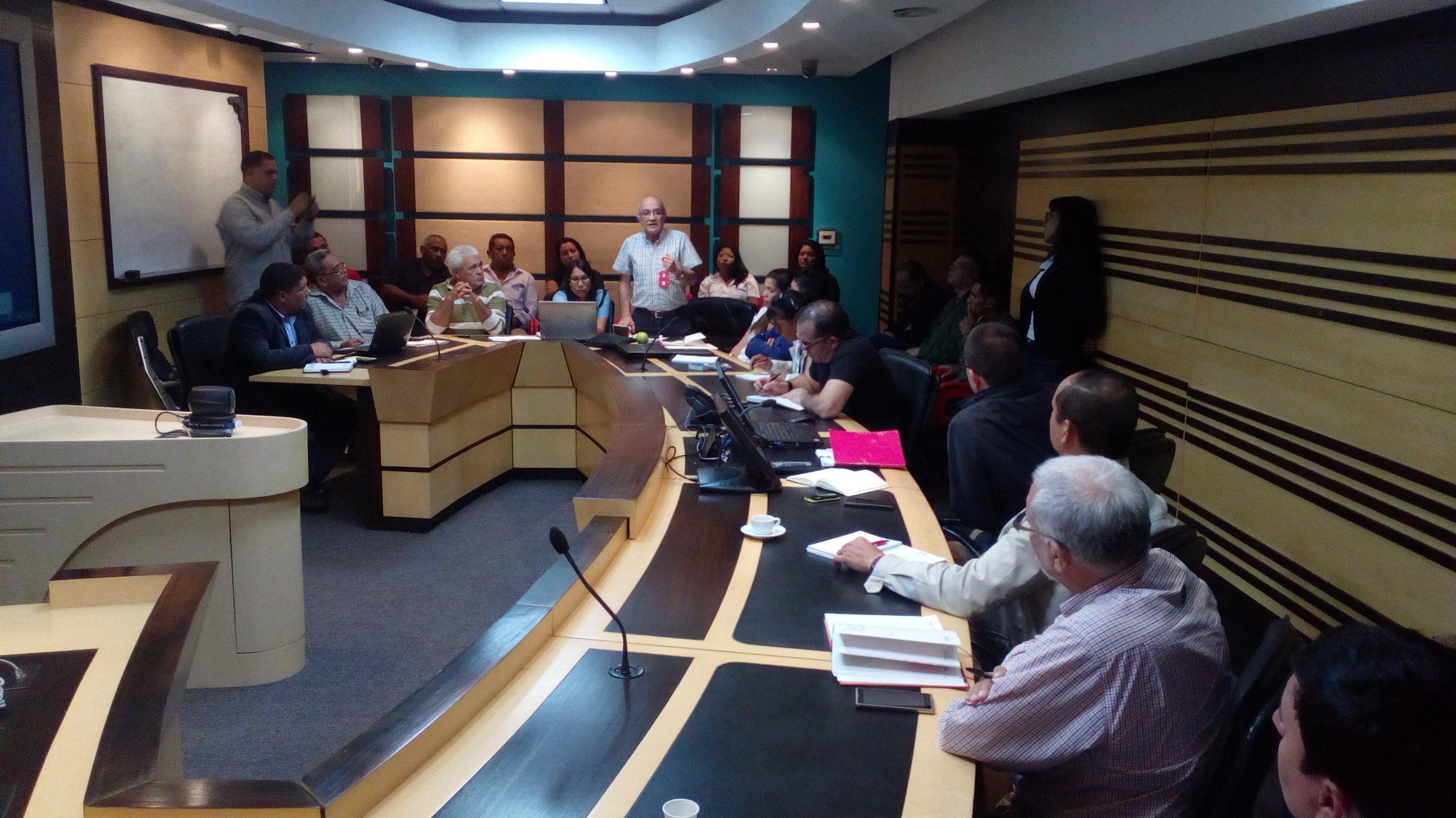 Los ministerios del Poder Popular para la ?Planificación, Ecosocialismo y Aguas,? y Desarrollo Minero Ecológico conformaron junto al Consejo Popular Minero un equipo multidisciplinario
