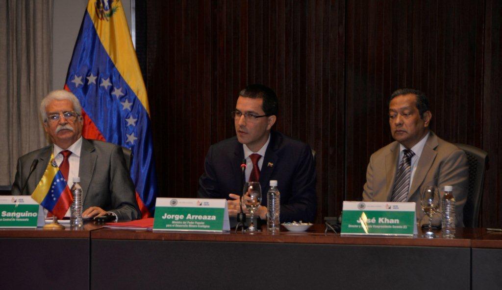 El titular de minería por Venezuela, Jorge Arreaza, ofeció detalles sobre el modelo de negocios y los estudios geológicos sobre las zonas ricas en diamantes