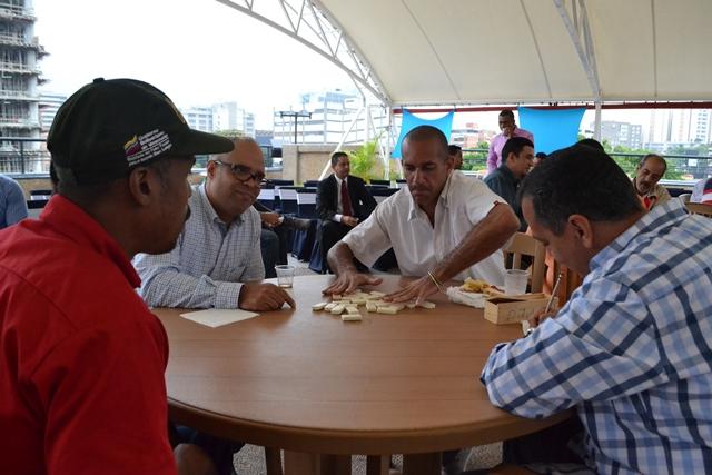 Pueblo Minero celebró día del padre con torneo de dominó