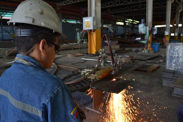 F1 Nuevo castillete para la mina Colombia, en el Callao, registra un avance del 45%
