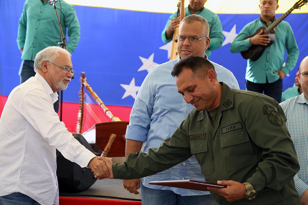 Certificados a Trabajadores y Reconocimientos FANB (20)