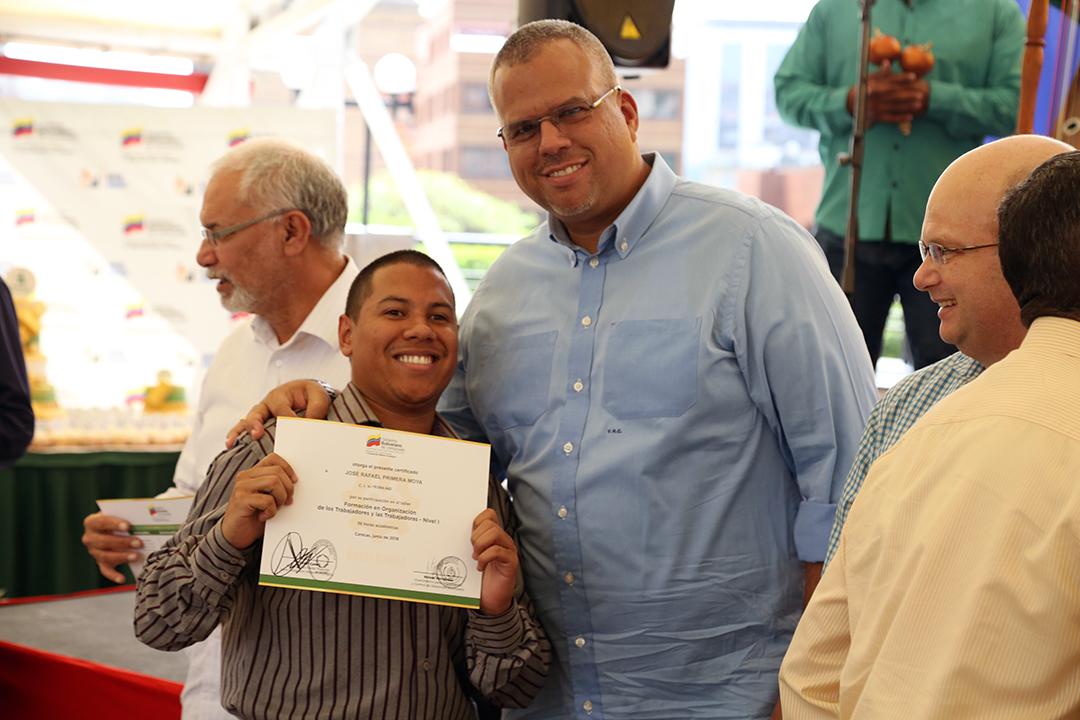 Certificados a Trabajadores y Reconocimientos FANB (8)
