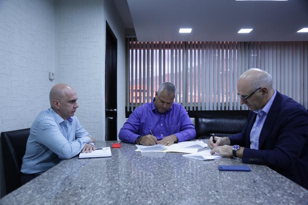 Firma de Acuerdos con Empresa Holandesa Fondel (2)