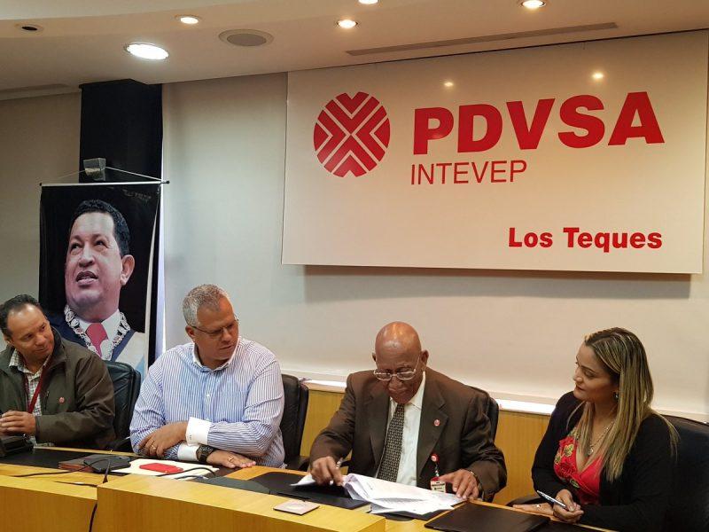 Firma convenio entre Pdvsa Intevep e Ingeomin (4)